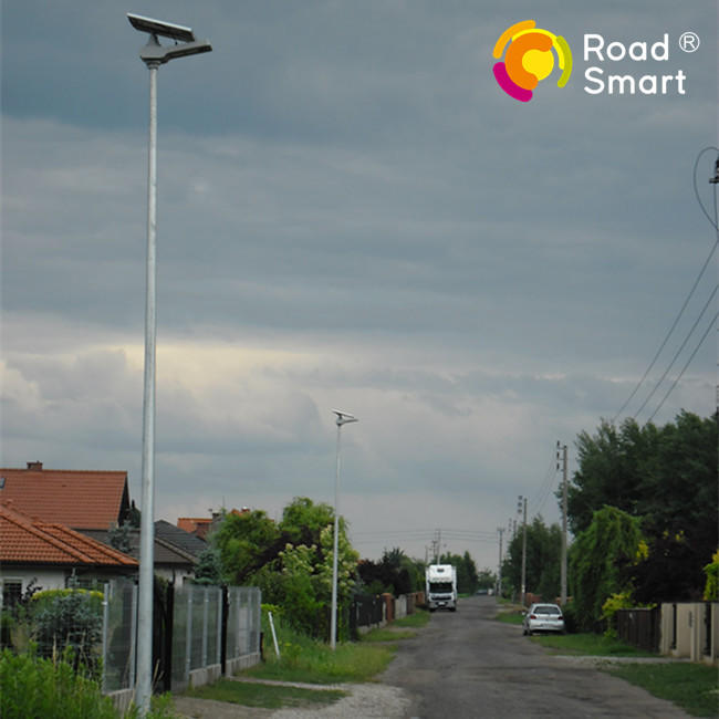 Wide Application LED Road Lamp Outdoor Solar Street Light with Inbuilt Lithium Batteries