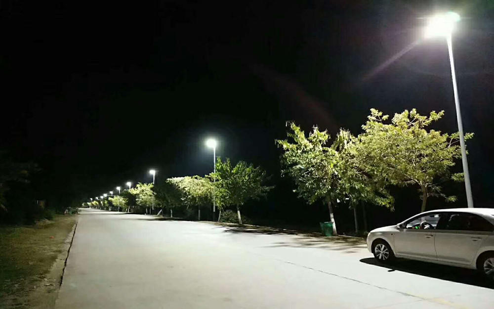 Road Smart-Comparision Of High Pressure Sodium Lamp, Traditional Led Street Light
